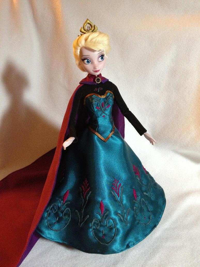 Custom Frozen Elsa Coronation Doll by daphnetails