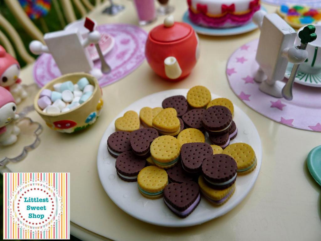 Cream cookies in  miniature by LittlestSweetShop