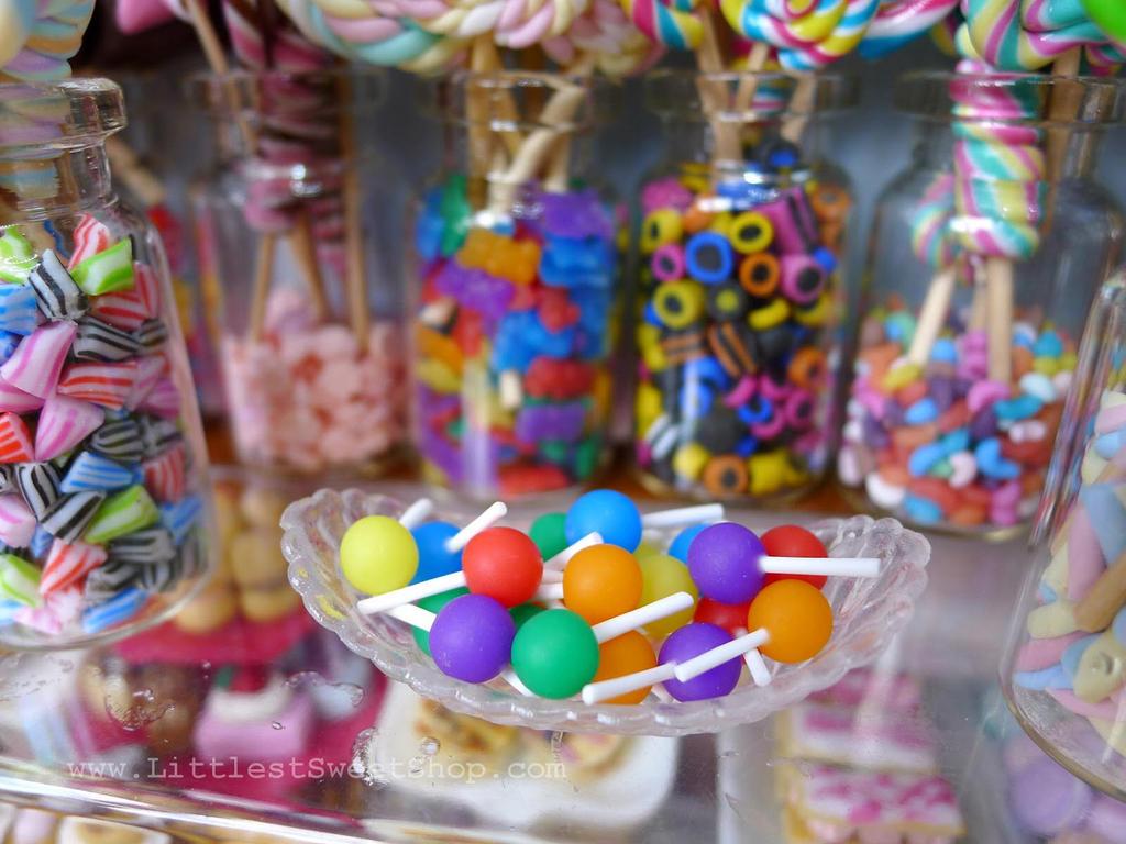 Tootsie roll/pop miniature (lollipops) by LittlestSweetShop
