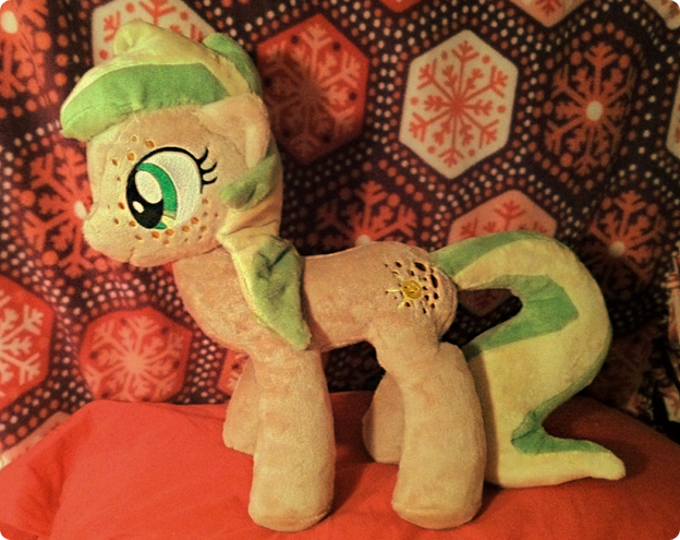 Sunny Plush by Noxx-ious