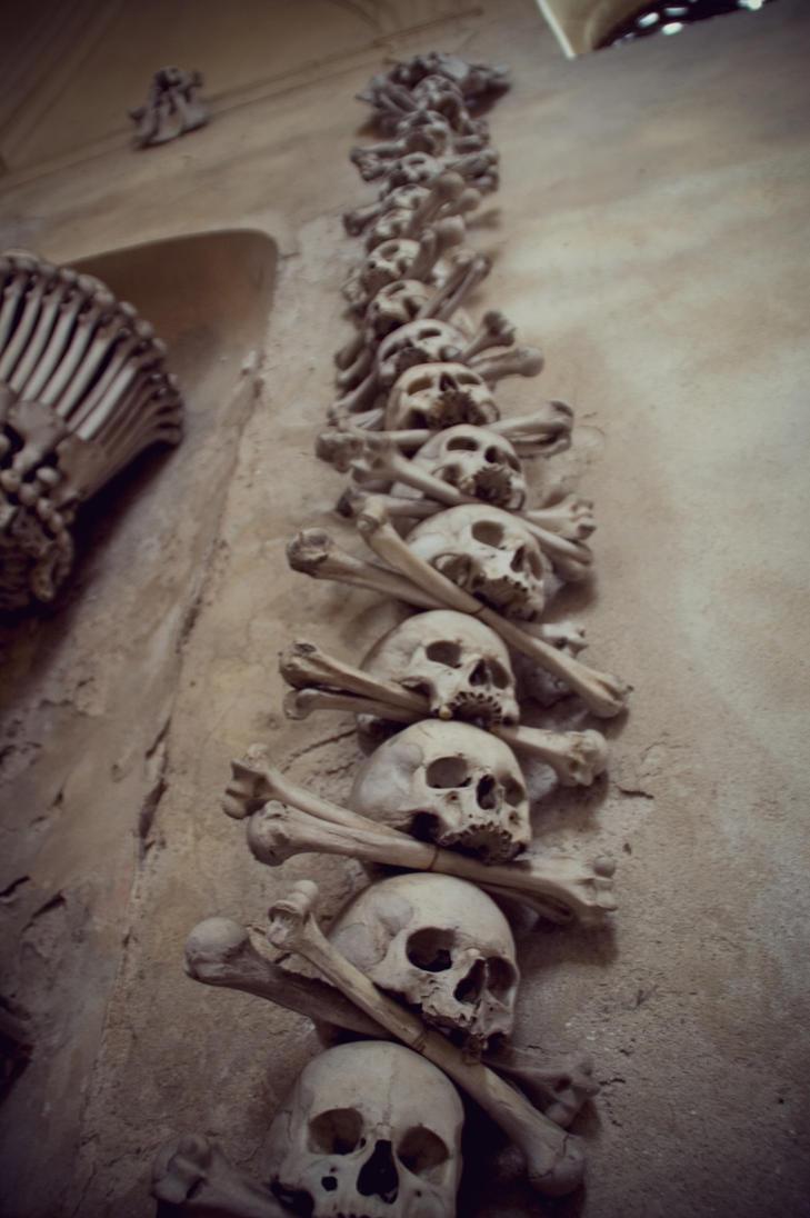 Memento mori by sixonempx