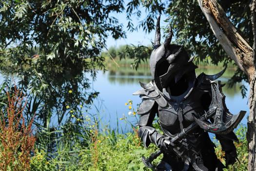 Skyrim Daedric armour - ready to attack!