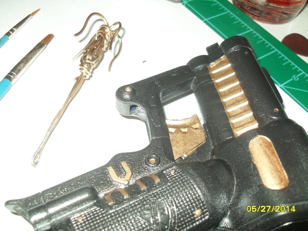 Batman Grapple Gun by ZeroCount