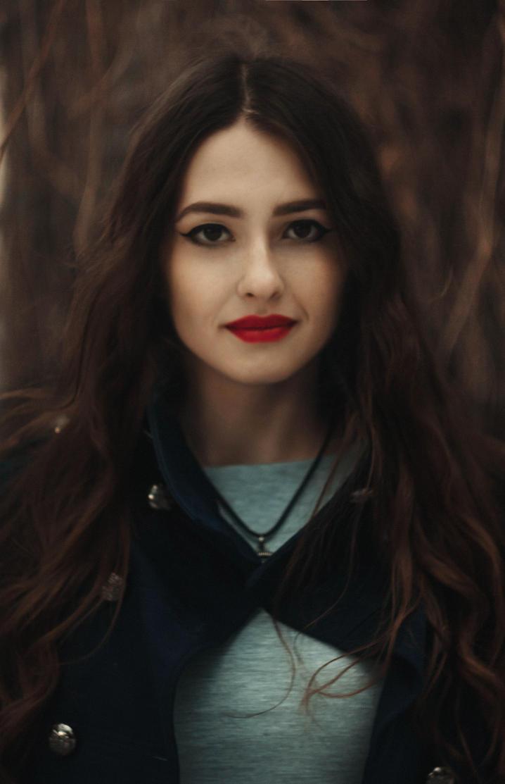 Victoria by YulchaNyan