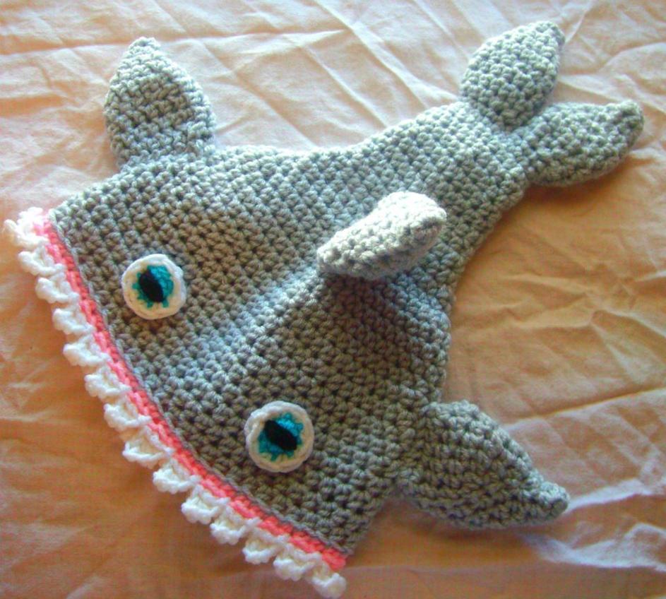Crochet Shark Hat by fyre-fly