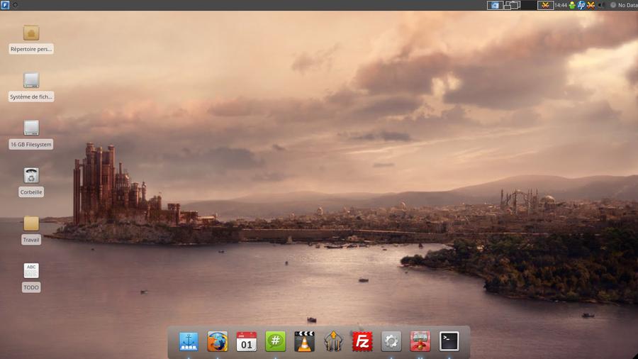 Desktop December 2011 by frugalware