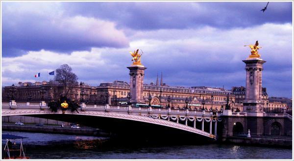 Bord de Seine. by mel0die-de-plume