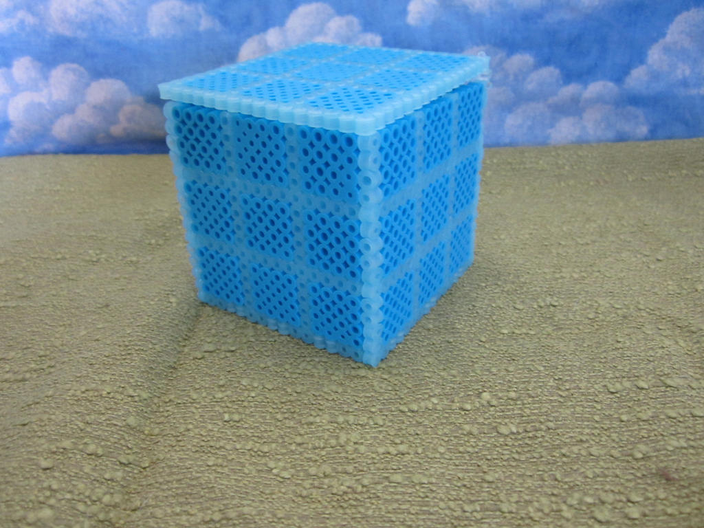 Invent cube perler box with hinges by Rei2jewels