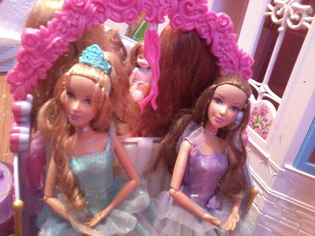 princess doll wallpaper