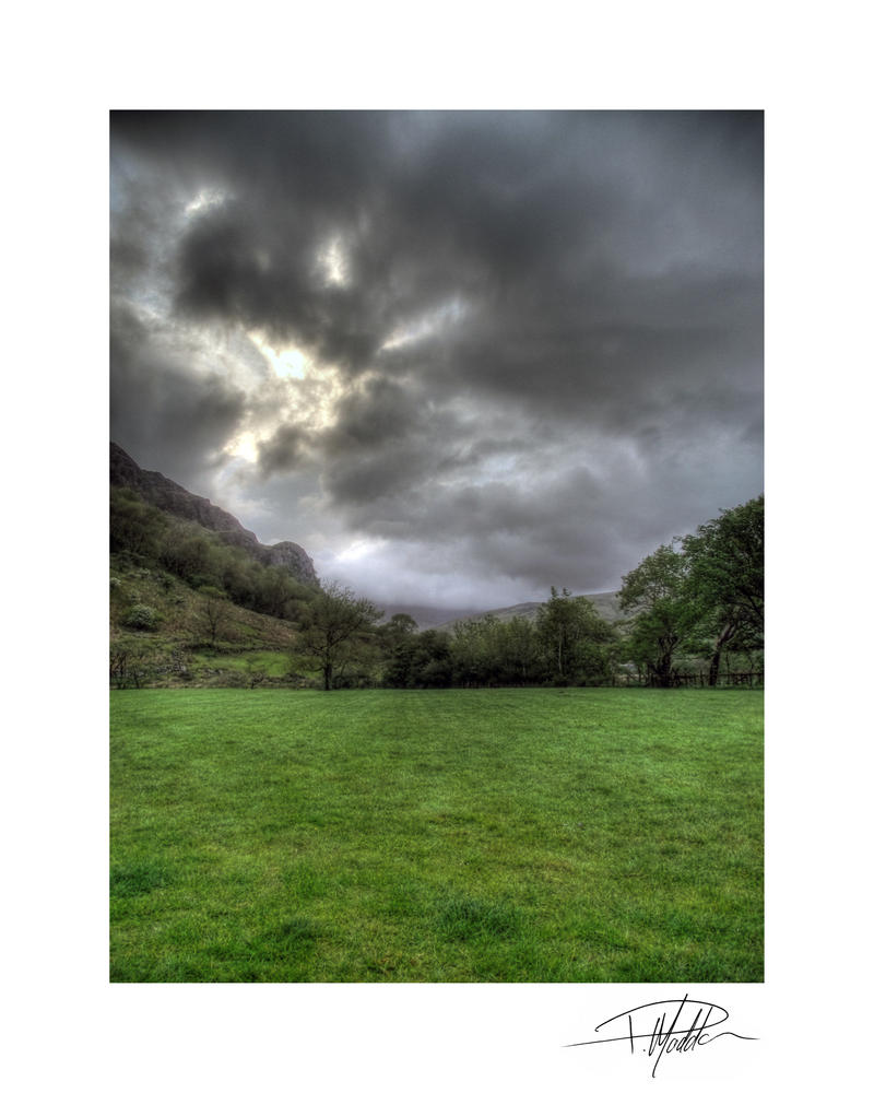 Llyn Gwynant campsite - Stormclouds by Paul-Madden