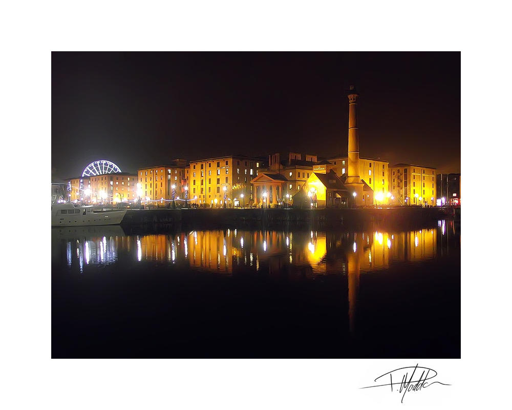 Albert Dock - Liverpool 7 by Paul-Madden