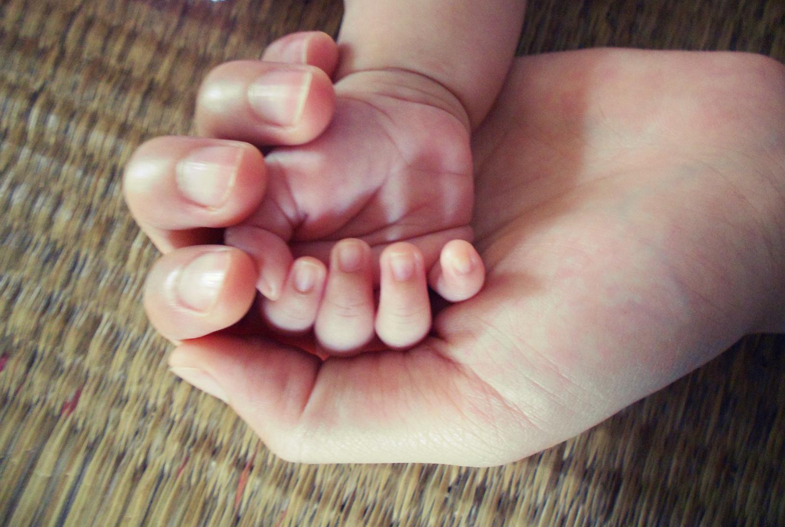 Little hand by HangLee