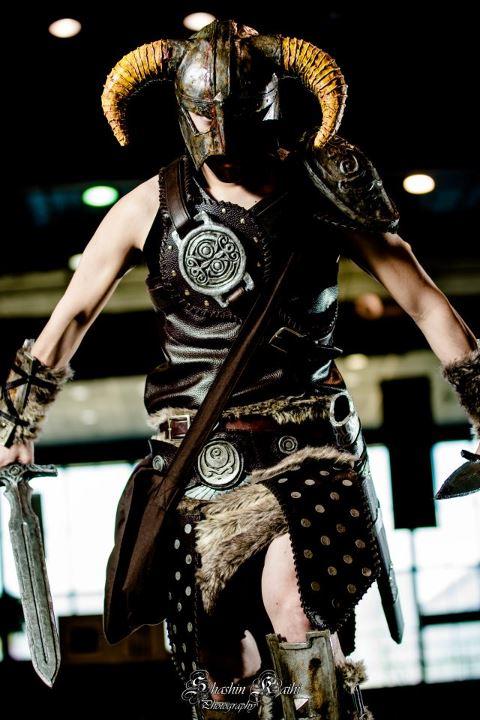 Dovahkiin Dragonborn Skyrim Cosplay by kethien