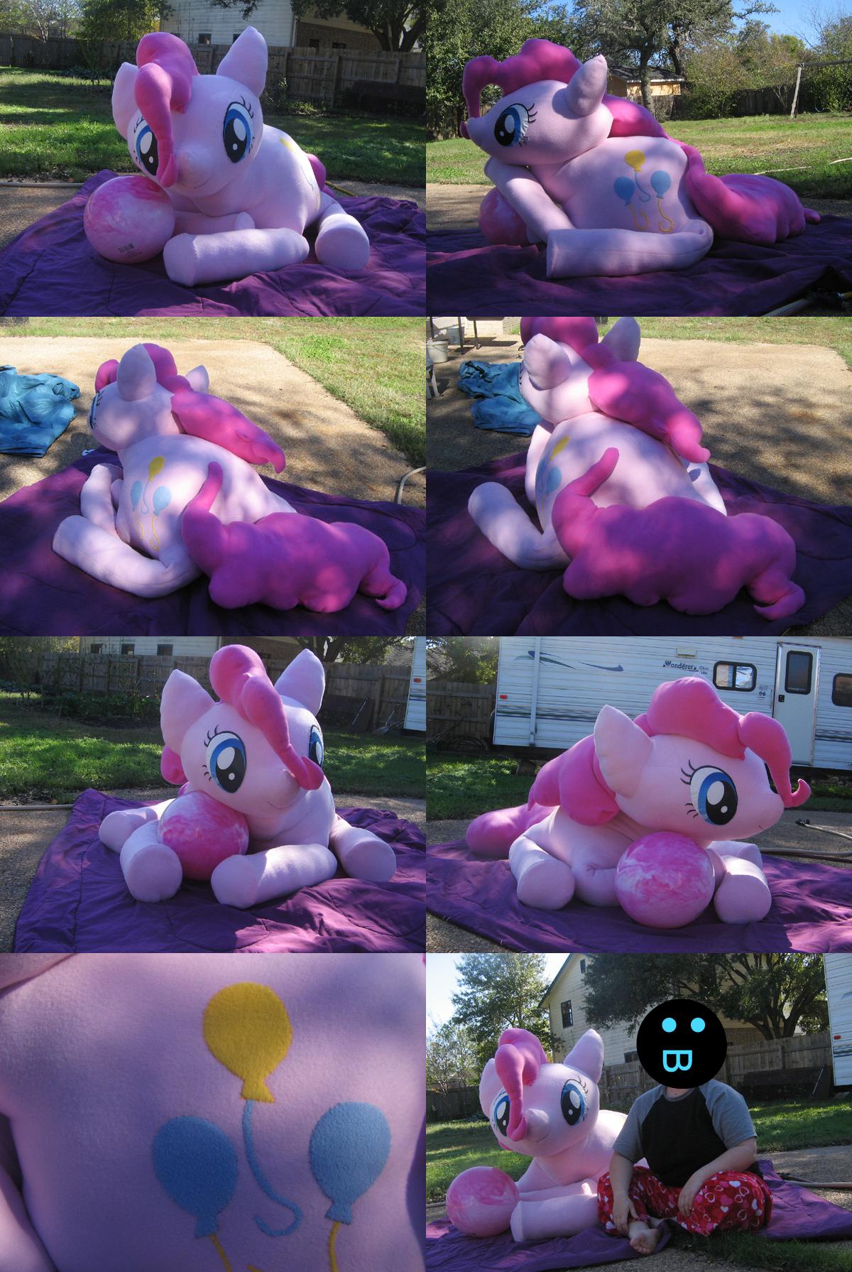 Giant Pinkie by Gitzyrulz