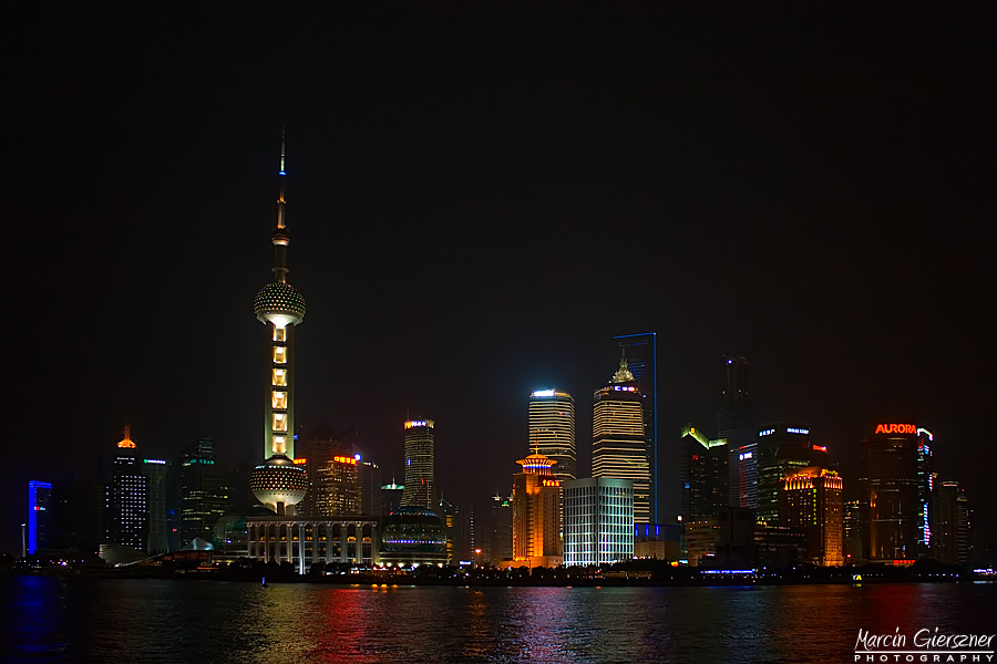 Shanghai by night by yonashek