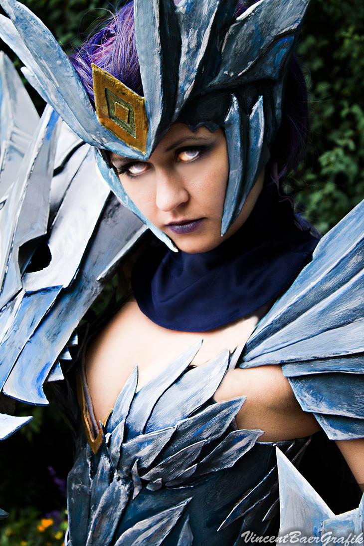 ice drake shyvana cosplay - photo #10