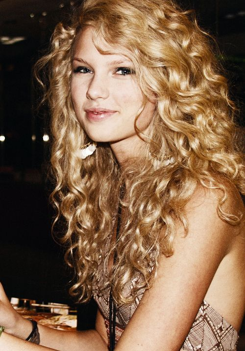 Taylor Swift Curly Hair By Taylorswifttribute On Deviantart