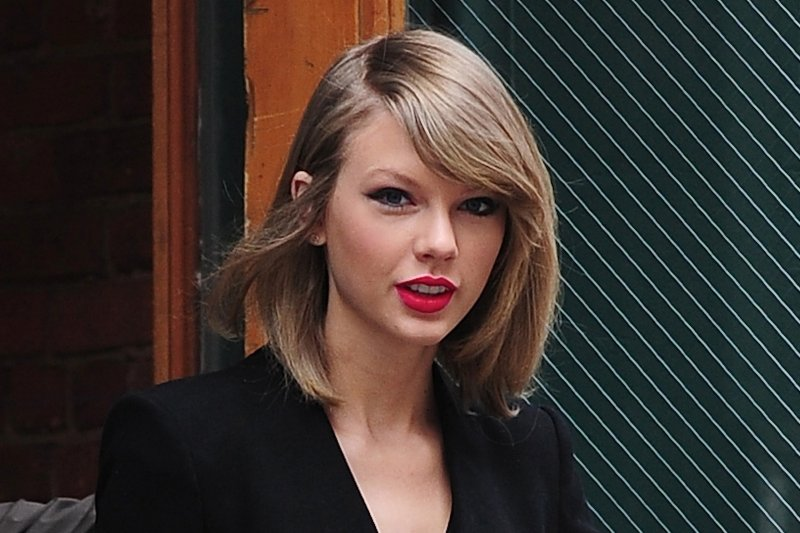 Taylor Swift Short Hair 5 By TaylorSwiftTribute ...