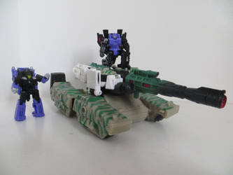 Mega-Tank by preceptorexe