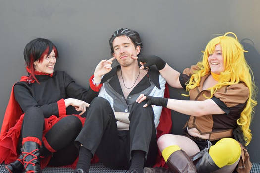 Annoying Uncle Qrow!!!