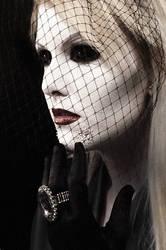Queen Of Aliens3