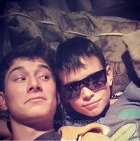 Chillin with ma bro in them gunnars~ by Team-Crafted