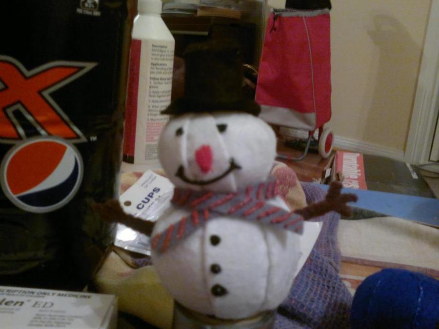 Snowman plushie by Amita-Eppes