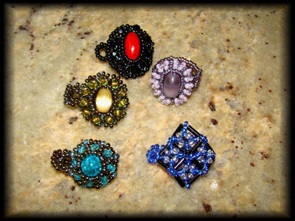 Beaded rings by jasmin7