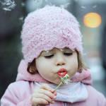dandelion girl by AlicjaRodzik