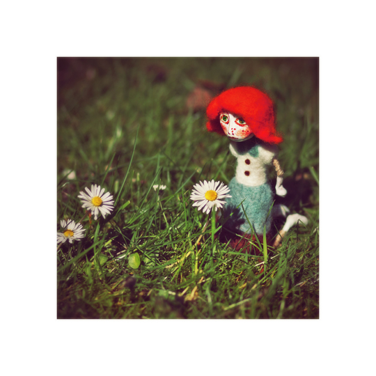 smelling daisies by AlicjaRodzik