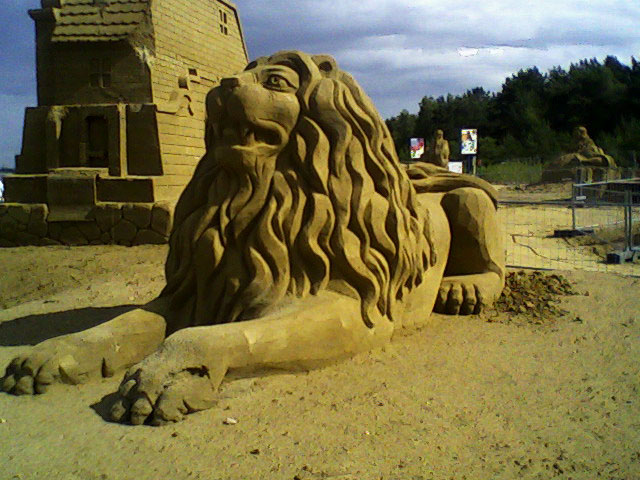 Sculpture from sand 1