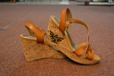 Handpainted shoes by Sarudanya