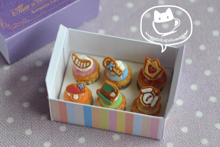Scale 1:12 Miniature Alice Cupcake Box 2