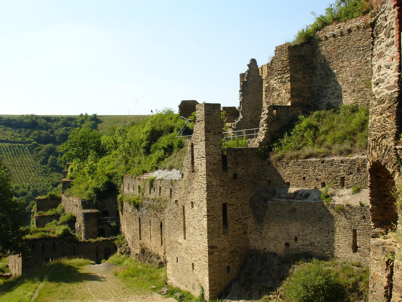 Ruins by Nestaman