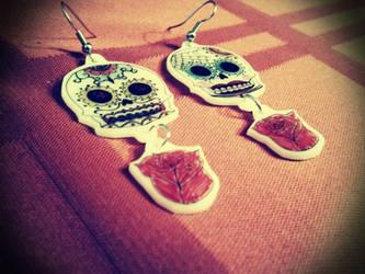 Calavera earrings by geekypnai