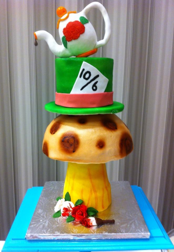 Cake Art Wonderland : Wonderland cake by MilanaMarara on DeviantArt