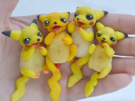 Baby Pikachu by SulizStudio