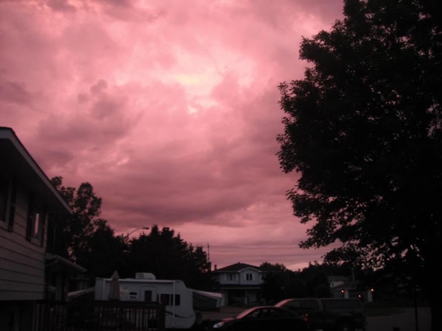 Stormy sky by SkullyLuv