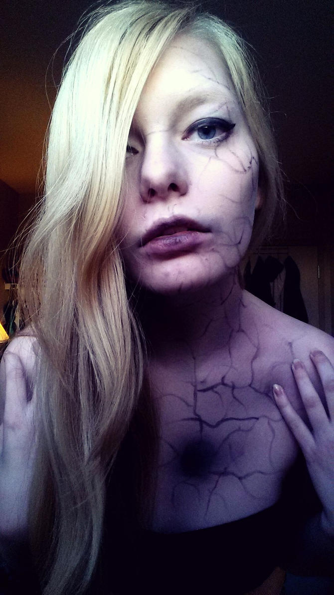 Black Veins by SkullyLuv