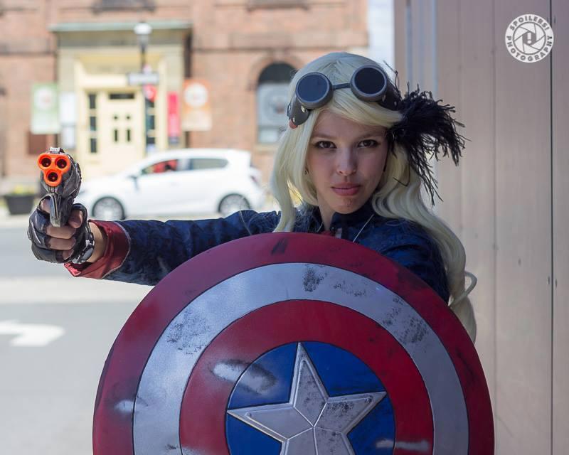 Captain America's mighty shield by deleriumsedge