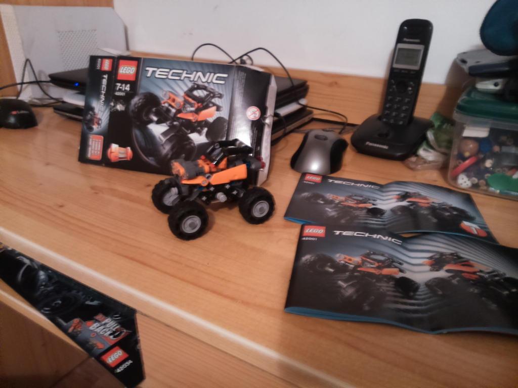 LEGO TECHNIC SET 42001 - Mini Off Roader by SecretLaser