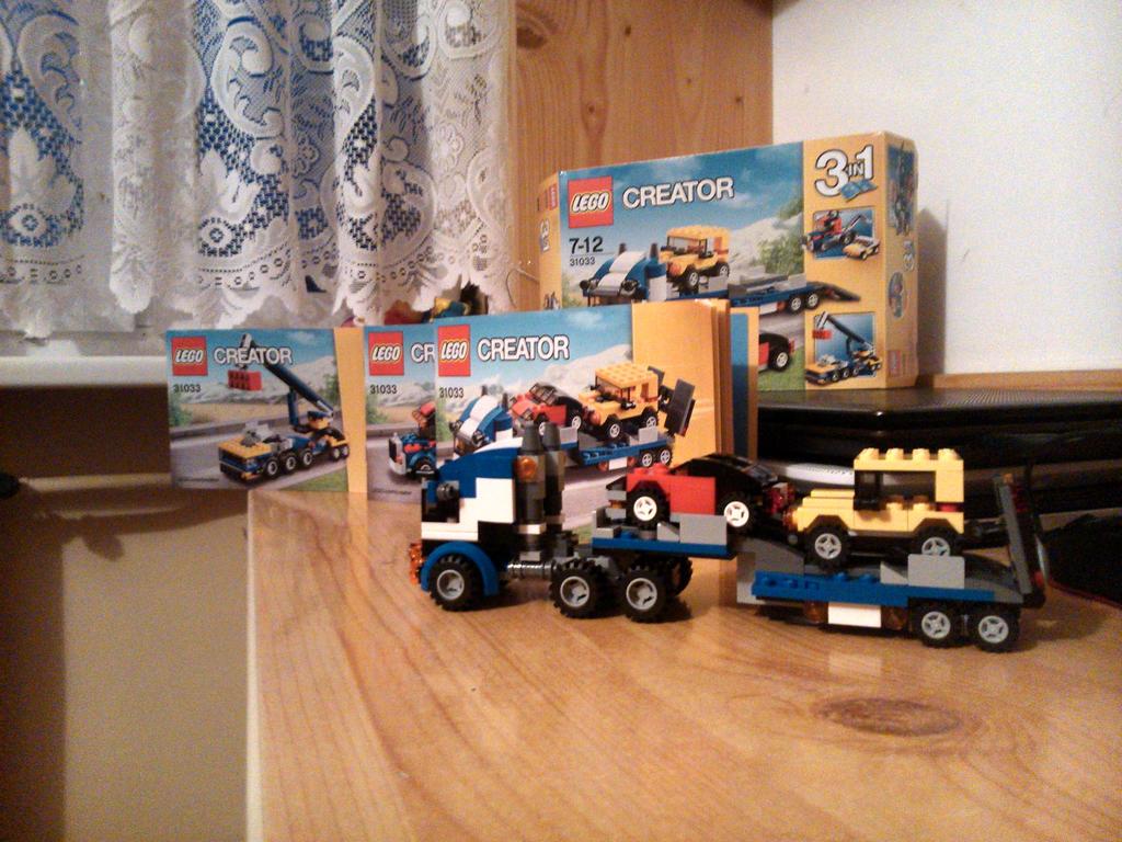 LEGO CREATOR SET 31033 - Vehicle Transporter by SecretLaser