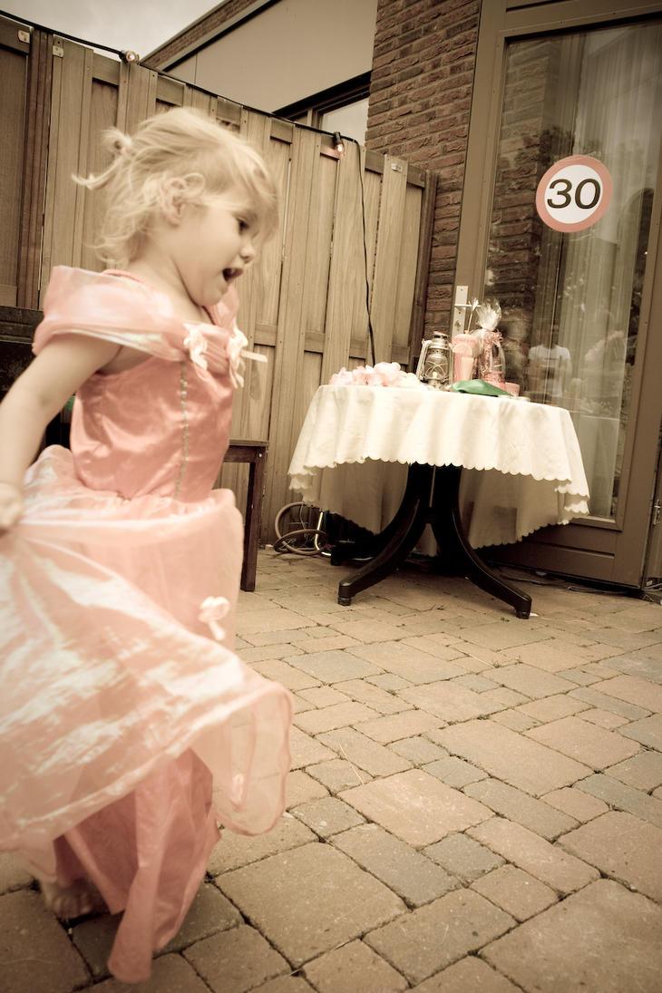 "ROMANTIKA BEZ REČI "" - Page 3 Little_Princess_by_CannibaliXuS"