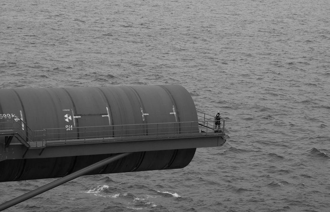 Offshore 1 by ricardobastiaan