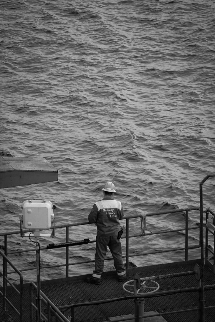 Offshore 2 by ricardobastiaan