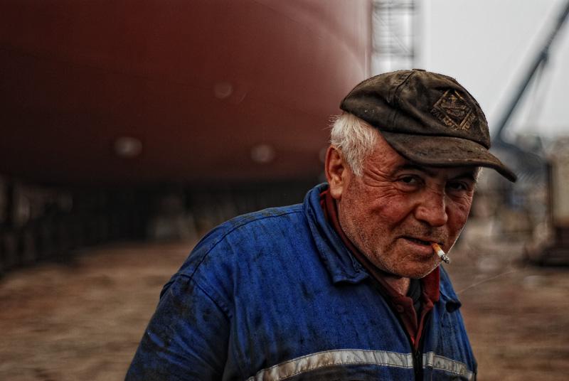 shipyard worker by redmemet