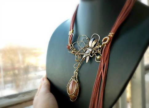 Pendant necklace pink bud jasper