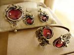 wire wrap set: brooch, bracelet, earrings, insert