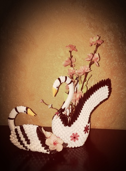 3D Origami Swans by jchau