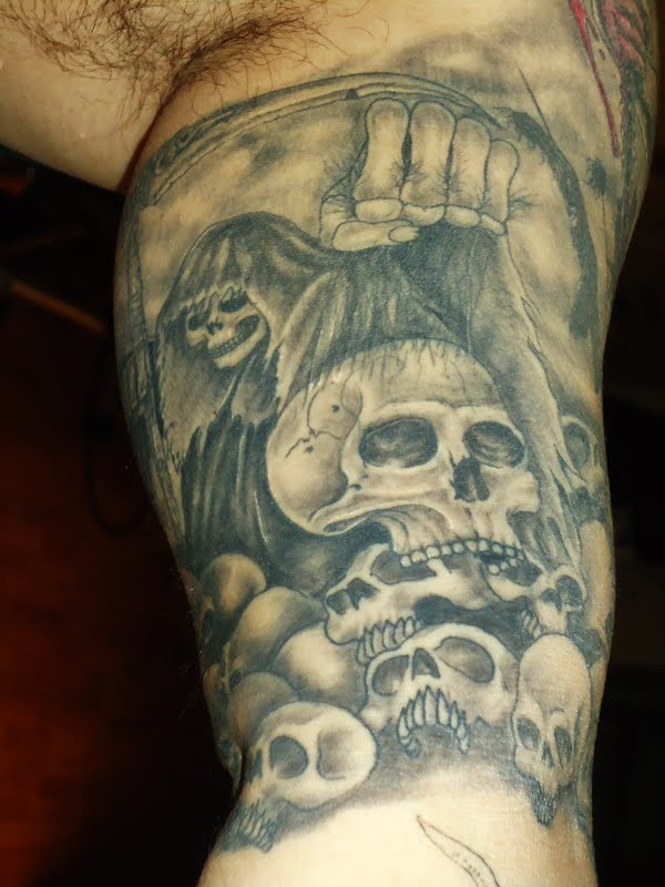 skull tattoo designs tattoo design gallery downloadable wallpaper picture image pics photograph. Black Bedroom Furniture Sets. Home Design Ideas